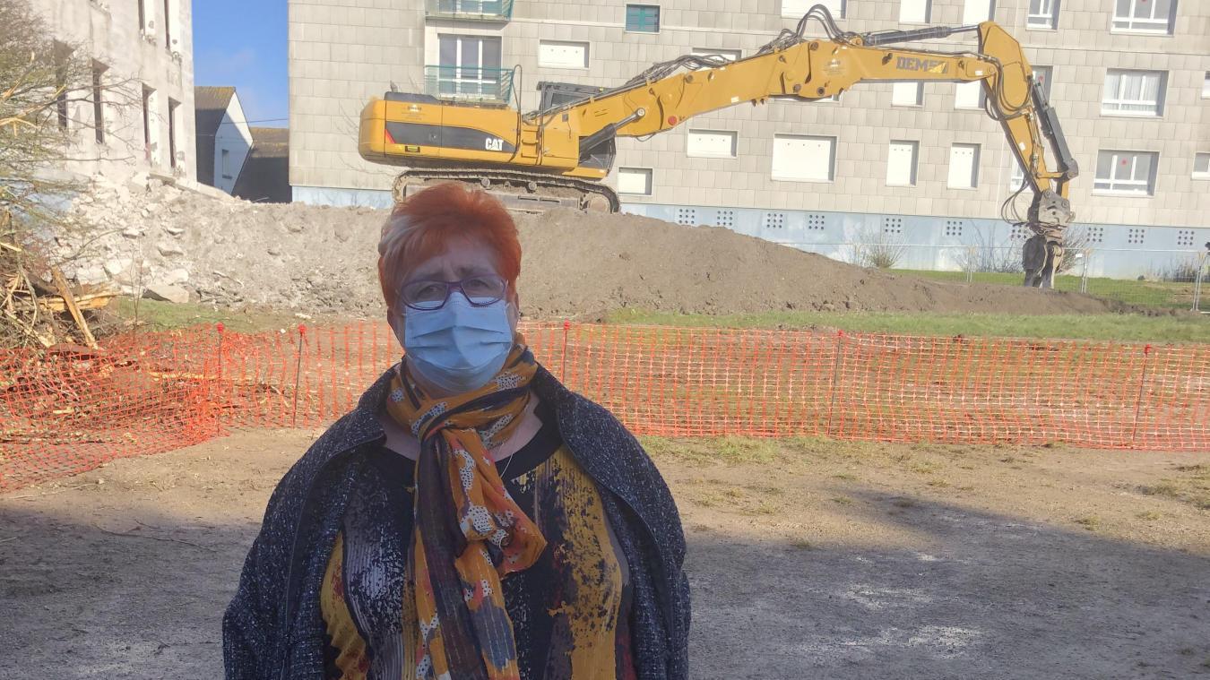 C'est avec émotion que Josette Marlot a assisté à la destruction de l'immeuble les Alouettes.