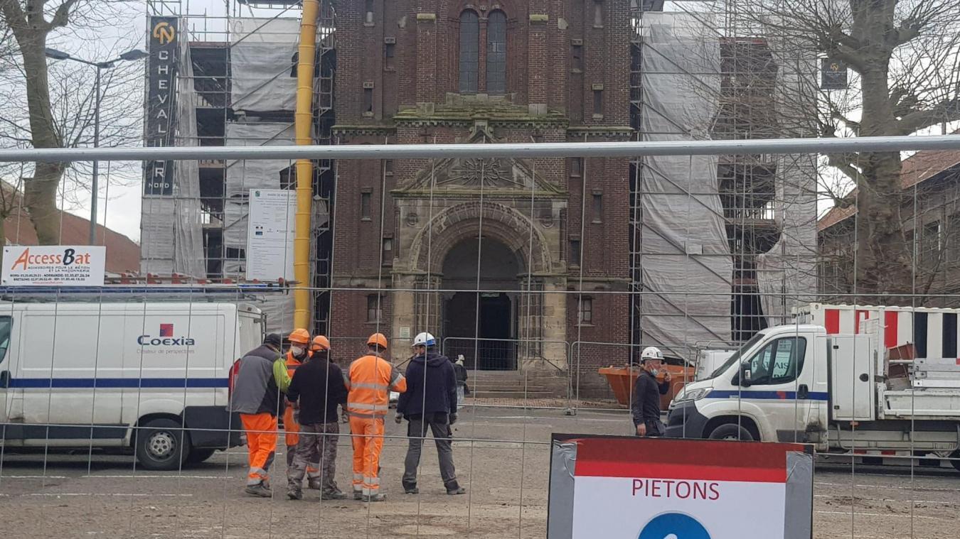 Actuellement, le chantier de réhabilitation de l'église Sainte-Barbe et du bâtiment de l'ex Forma anime la rue Nationale.
