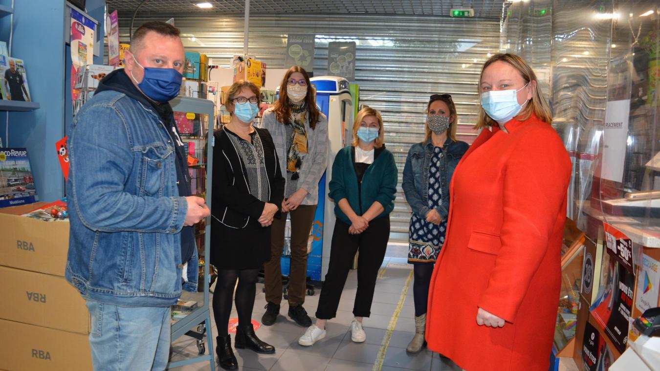 Gérants et salariées n'ont plus travaillé depuis le 5 mars. Le tabac a dû fermer car il se trouve dans la galerie d'Auchan Béthune.