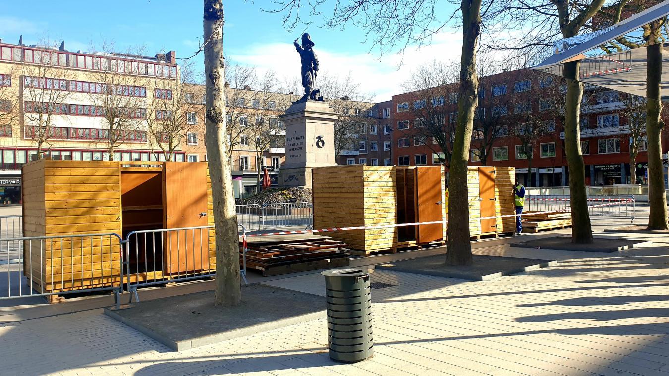 Un chalet en bois pour la logistique et quatre chalets dédiés aux restaurateurs pendant quelques semaines sur la place Jean-Bart, à Dunkerque.