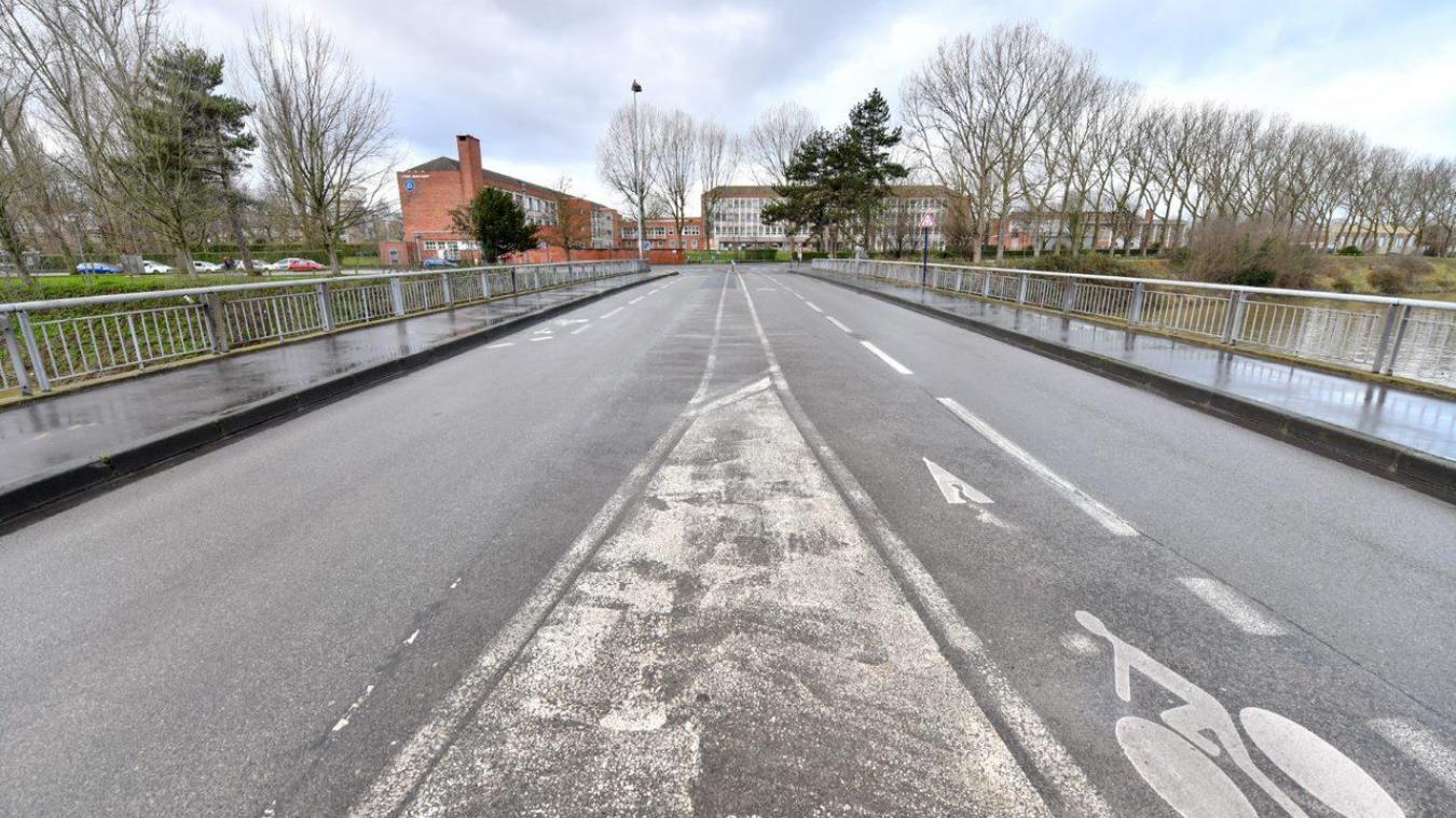 Les travaux du pont Emmery, situé entre le stade Tribut et l'entrée des Glacis, sont ptolongés jusqu'au 26 avril.