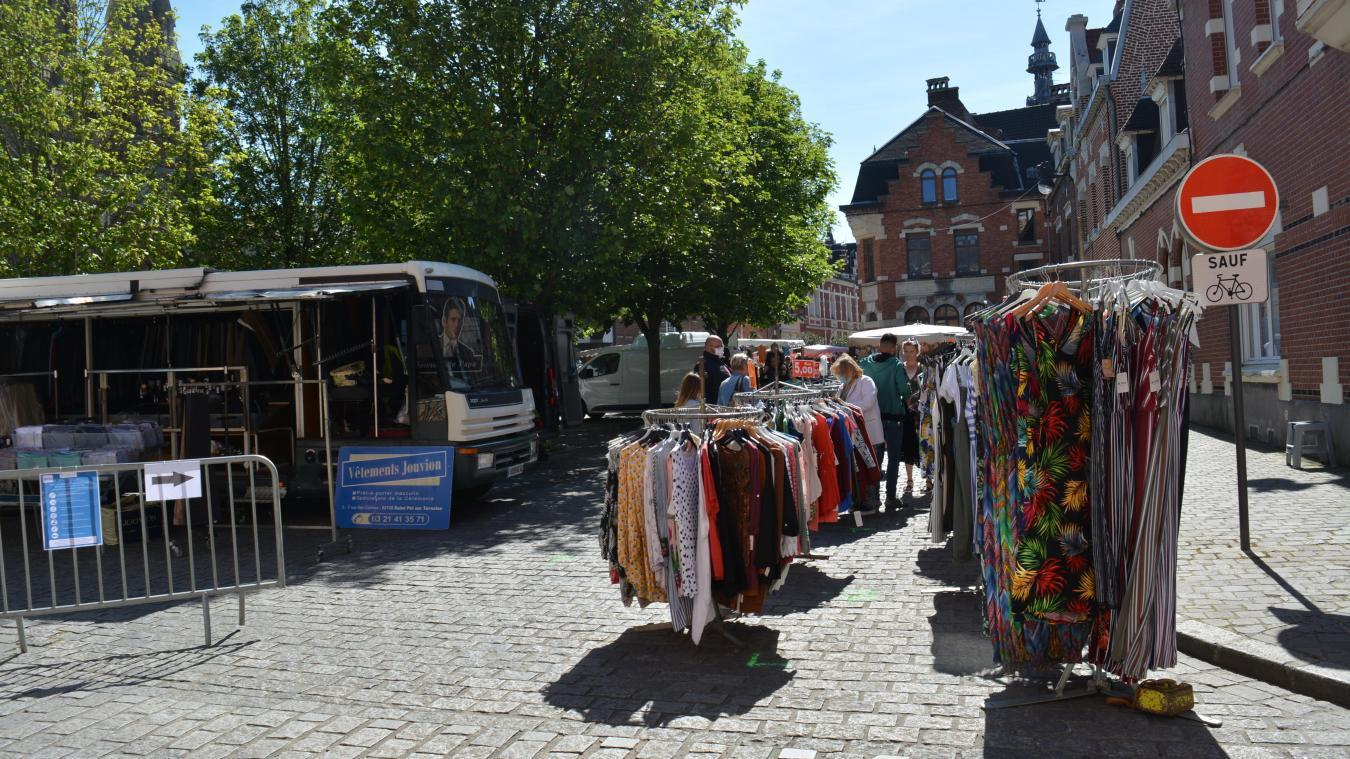 Les commerçants sédentaires pourront rejoindre les commerçants habituels du marché.