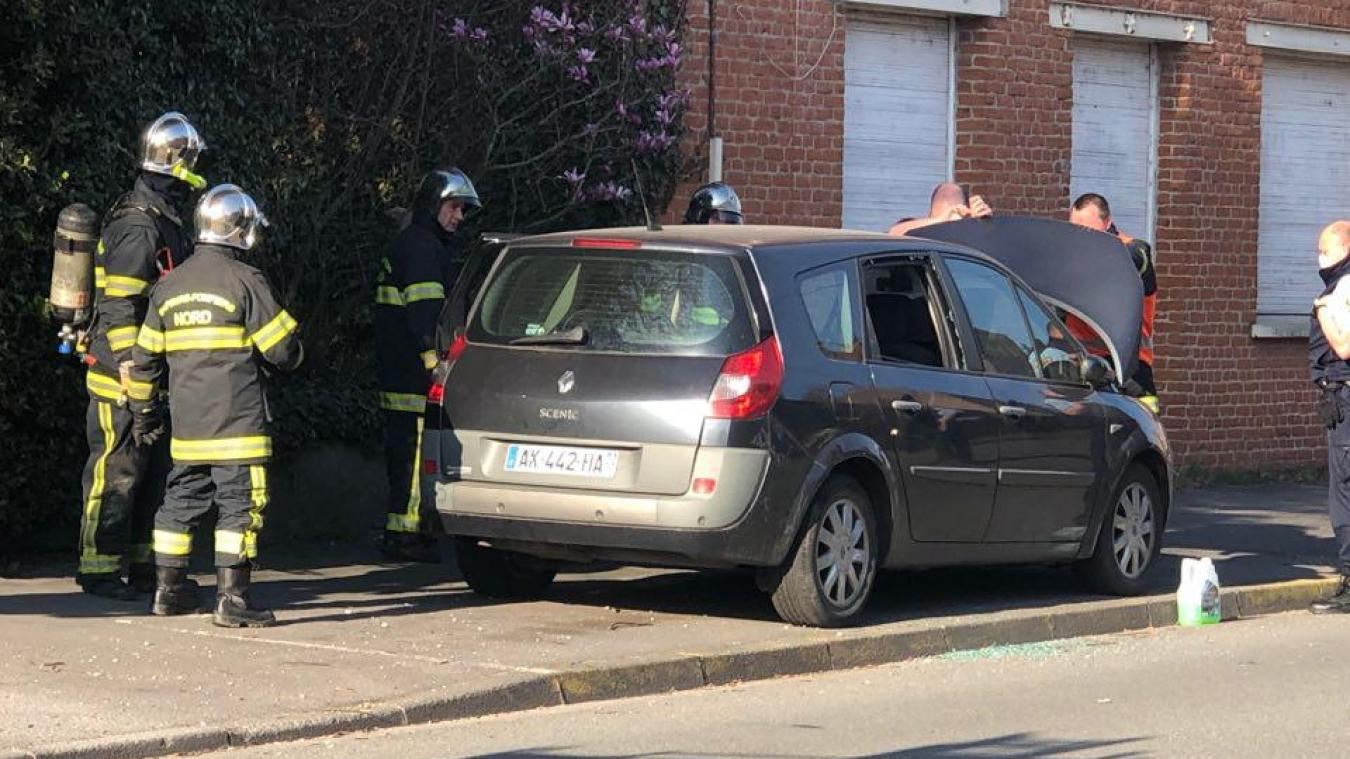 Les pompiers d'Estaires ont vite éteint le feu de voiture à La Gorgue.