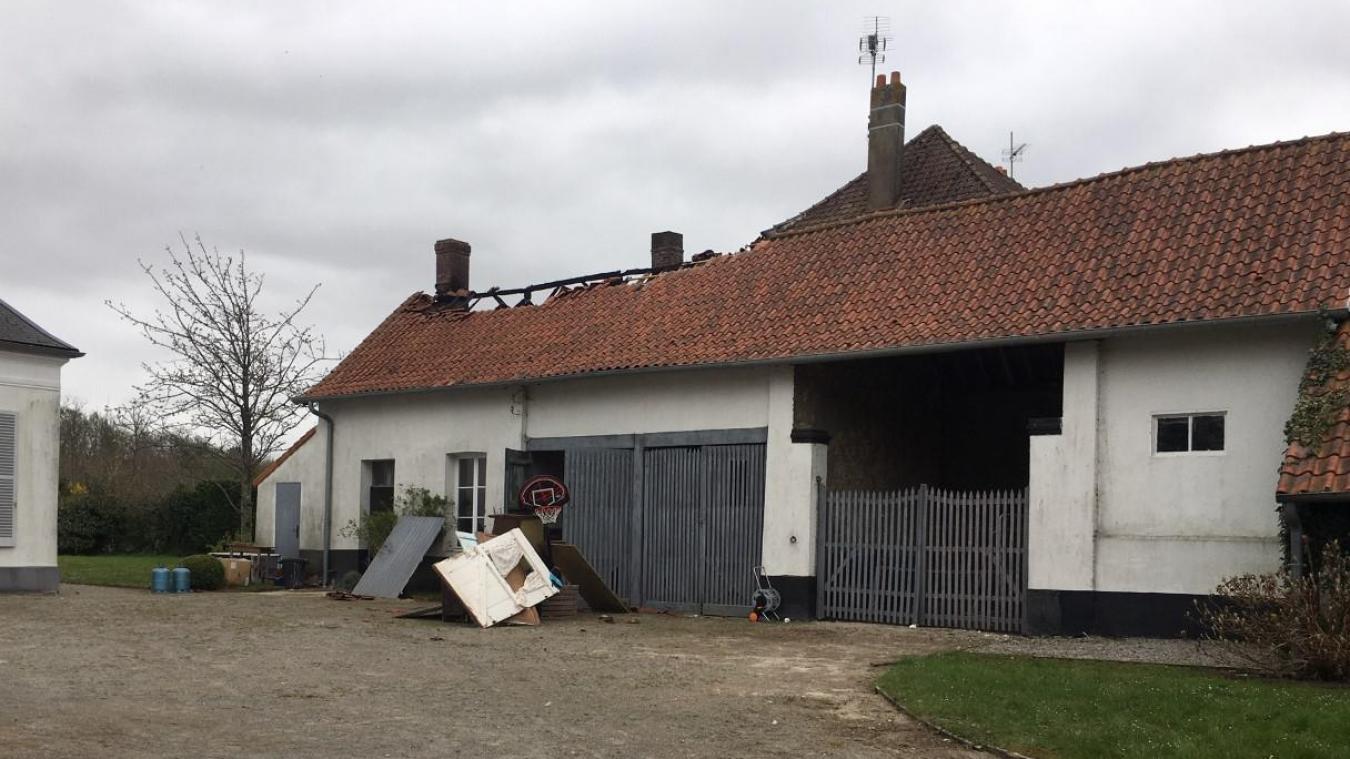 La grange de cette demeure située rue des pèlerins a été fortement endommagée.