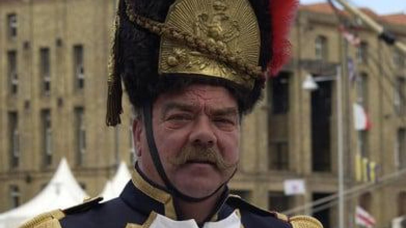Roger Turckx, ancien tambour-major de la bande de Malo, est décédé ce 6 avril à l'âge de 74 ans. Photo de la Confrérie des Tambours Majors du Carnaval de Dunkerque.