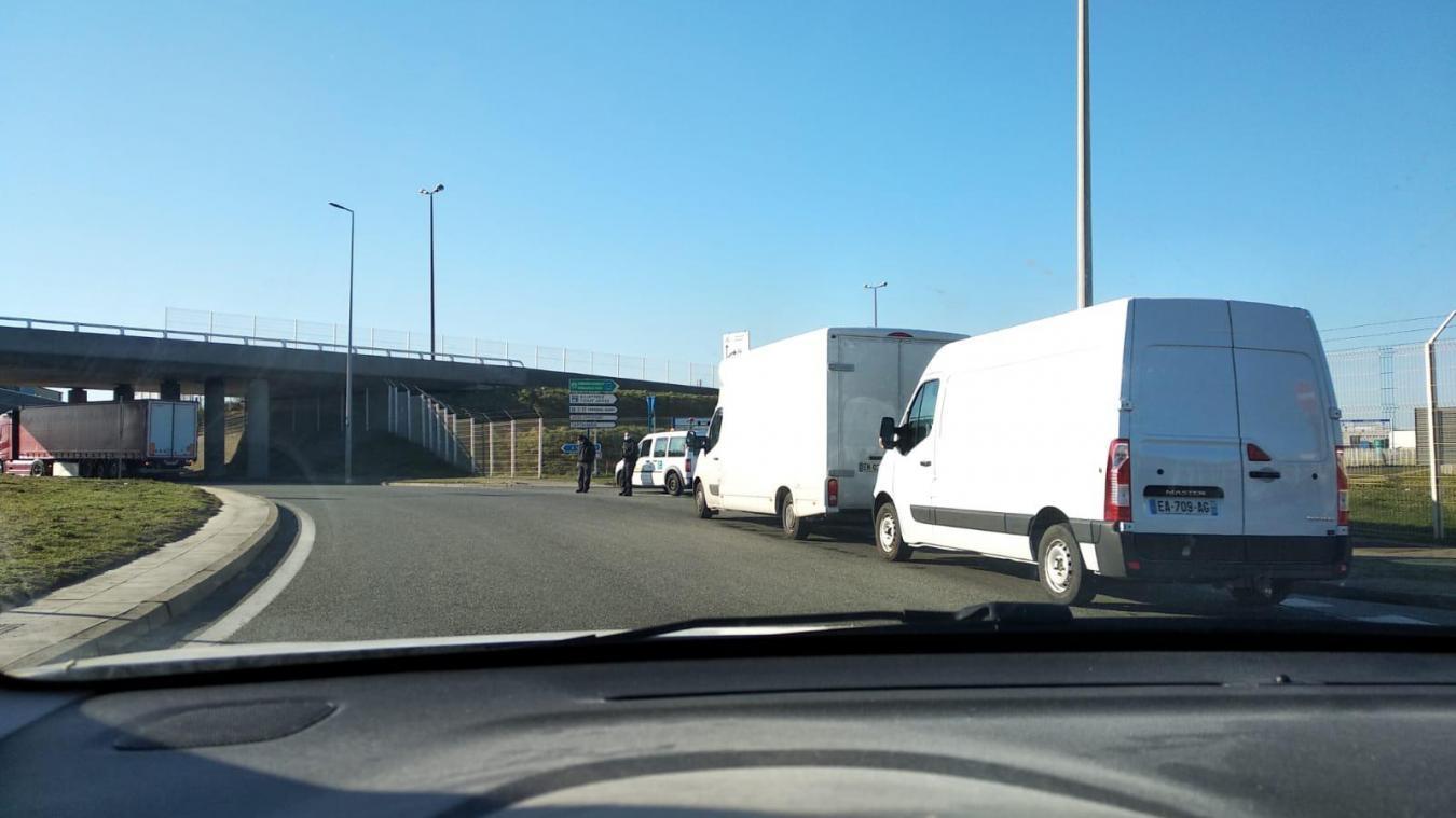 Retour à la normale au port de Calais après une alerte pour un colis suspect