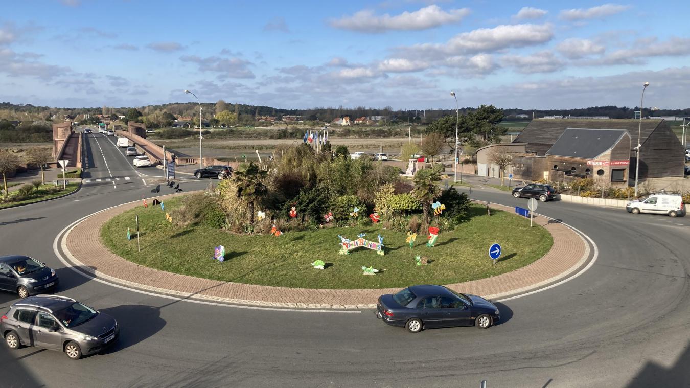 Chaque jour, des milliers de véhicules empruntent ce giratoire du Pont rose qui un carrefour important pour le territoire.