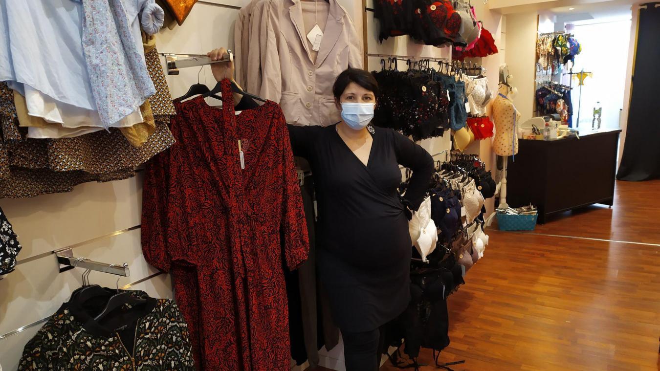 Julie Jacquemin est la patronne de Sucré Salé lingerie à Calais.