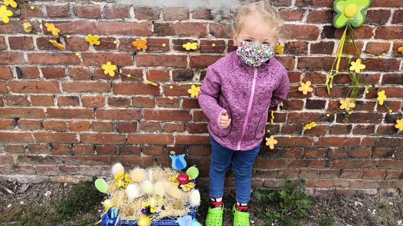 Les enfants devaient réaliser un petit abri ou un joli nid de Pâques et le déposer devant leur maison.