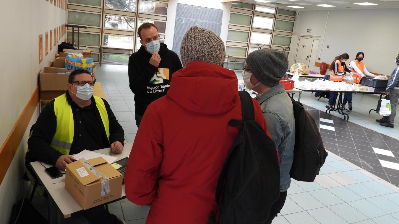 De nombreux étudiants sont venus demander des conseils à la salle des Glacis, samedi dernier.