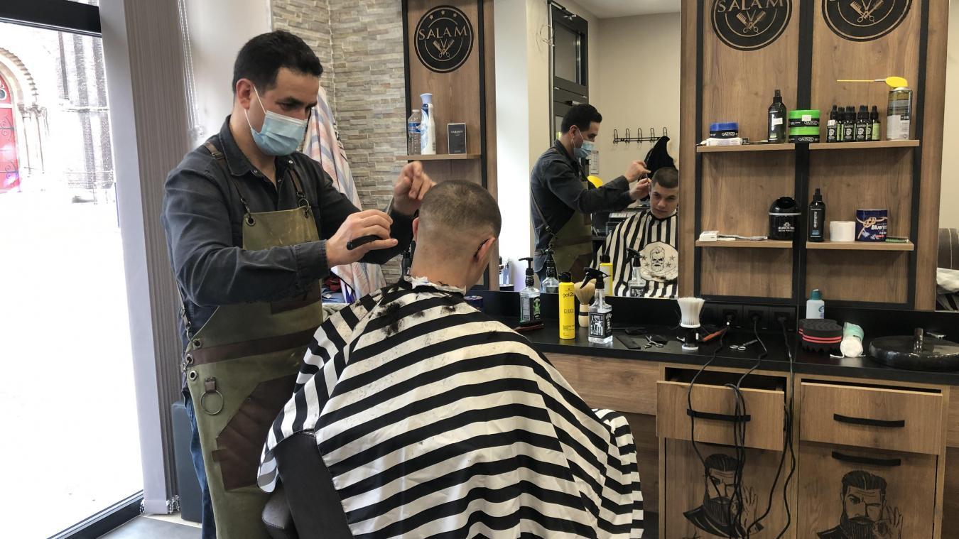 Abdelkader Bellahcene a ouvert son barbershop, Salam barber, au 21, rue de Paris, à Dunkerque.