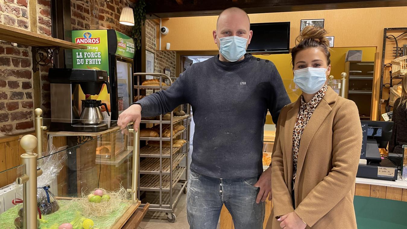 Sébastien Cailliau et Élodie Louasse ont repris la boulangerie Caron de Steenvoorde.