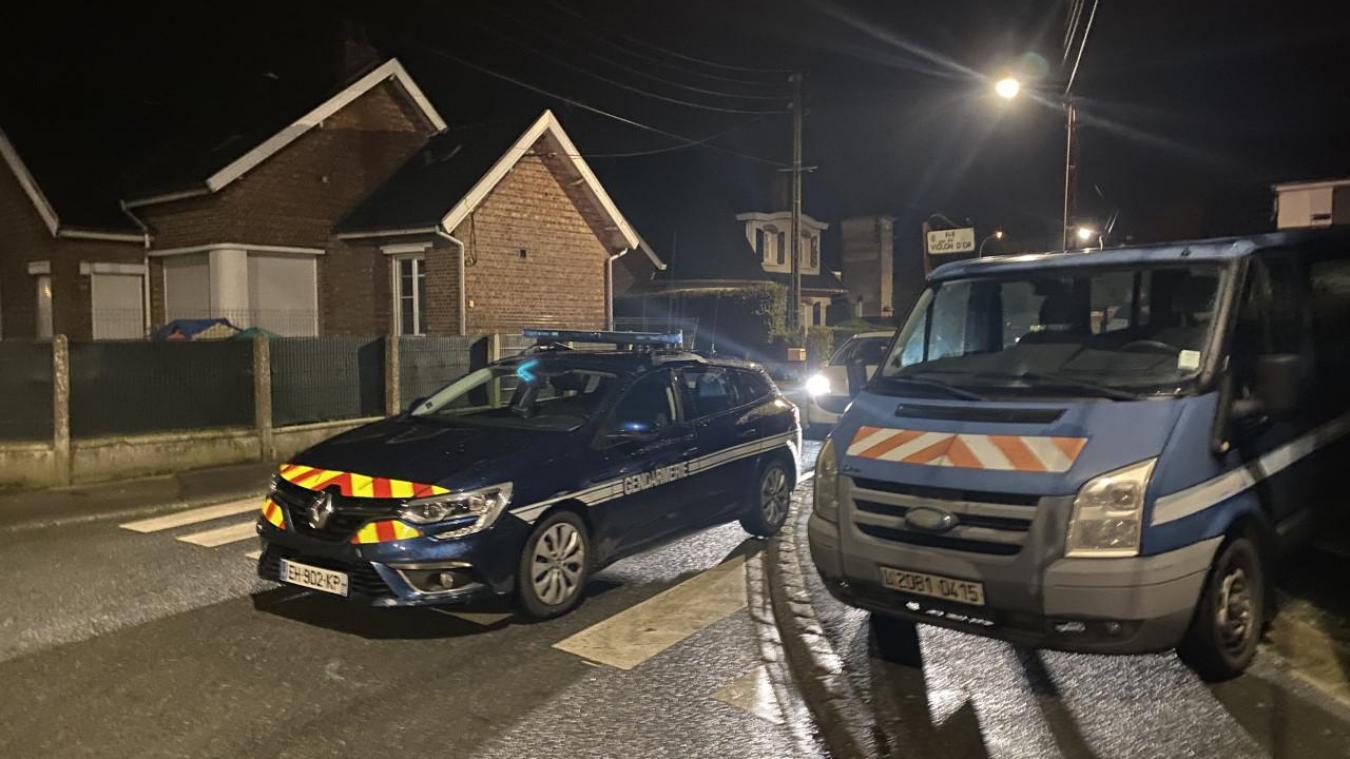 L'interpellation a eu lieu le 30 janvier 2021 simultanément dans plusieurs quartiers d'Hazebrouck avec un impressionnant déploiement de gendarmes.