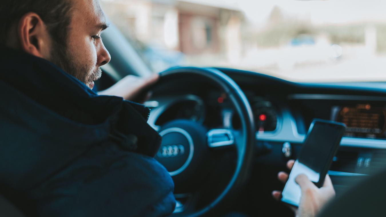 À partir du 1er novembre, les préfets ou le ministre de l'Intérieur pourront interdire la rediffusion de tout message ou de toute indication émis par les utilisateurs d'un service électronique d'aide à la conduite ou à la navigation.