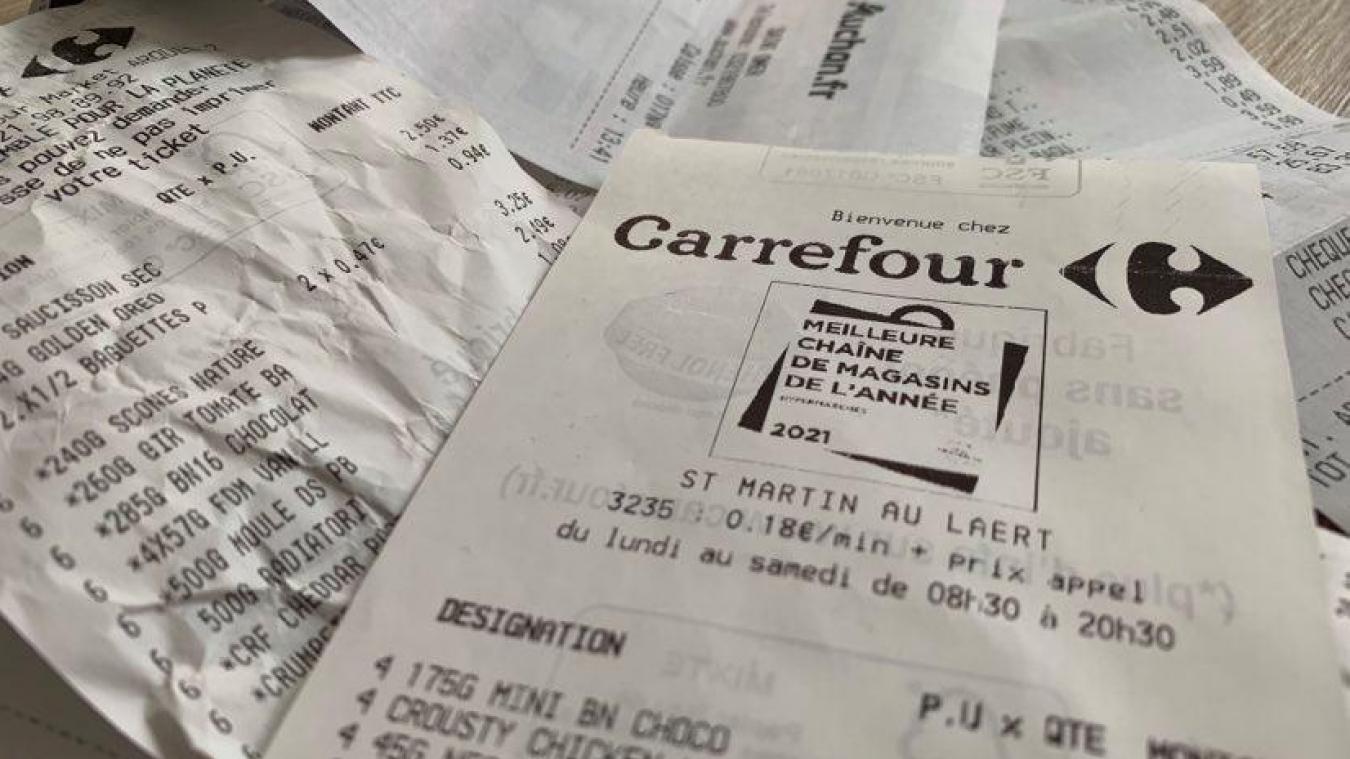 Carrefour annonce ce mardi mettre fin à la distribution automatique du ticket de caisse dans tous ses magasins.