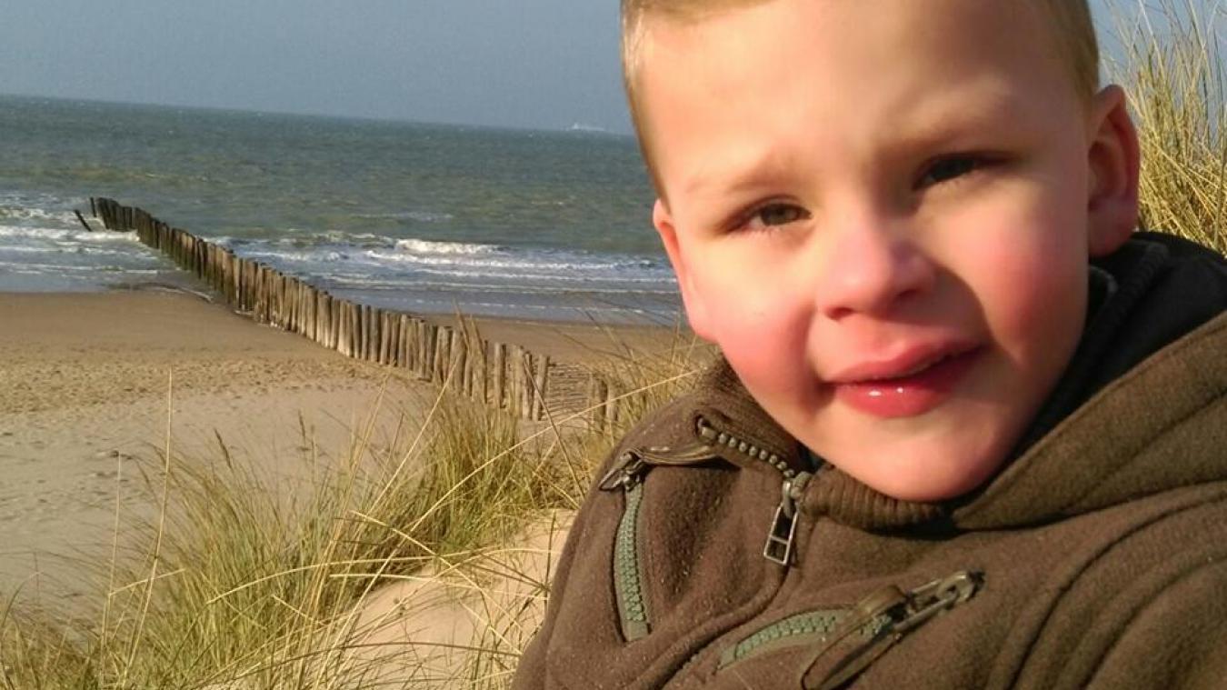 Le petit garçon avait été tué par le compagnon de sa mère, Julien Masson, à l'âge de 4 ans.