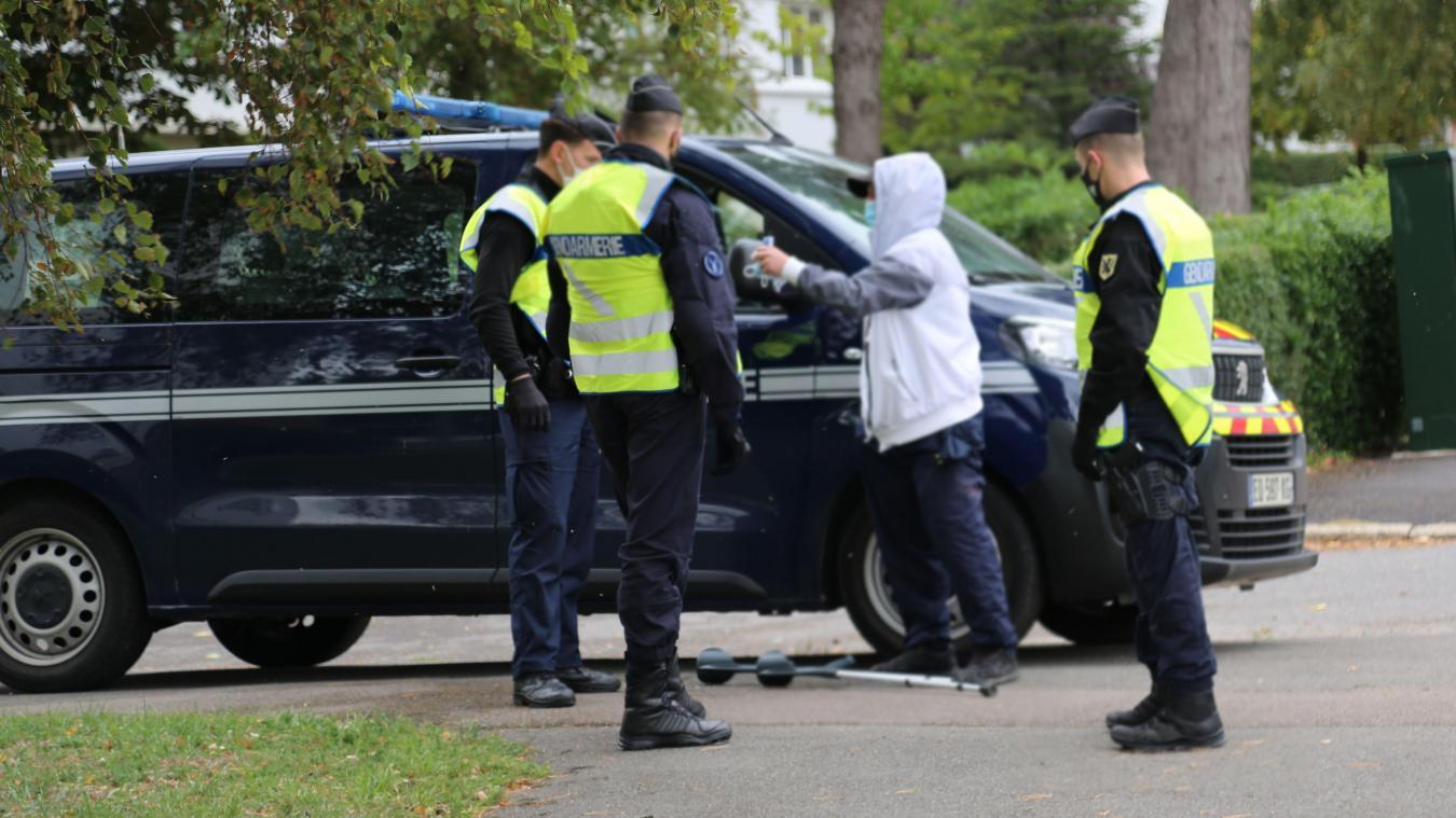 Ce sont les gendarmes d'Étaples-sur-Mer qui ont arrêté en flagrant délit les personnes concernées par ce trafic de stupéfiants.