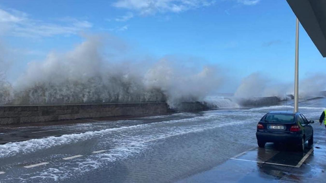 Des vents violents sont prévus jusqu'à demain en début de soirée.