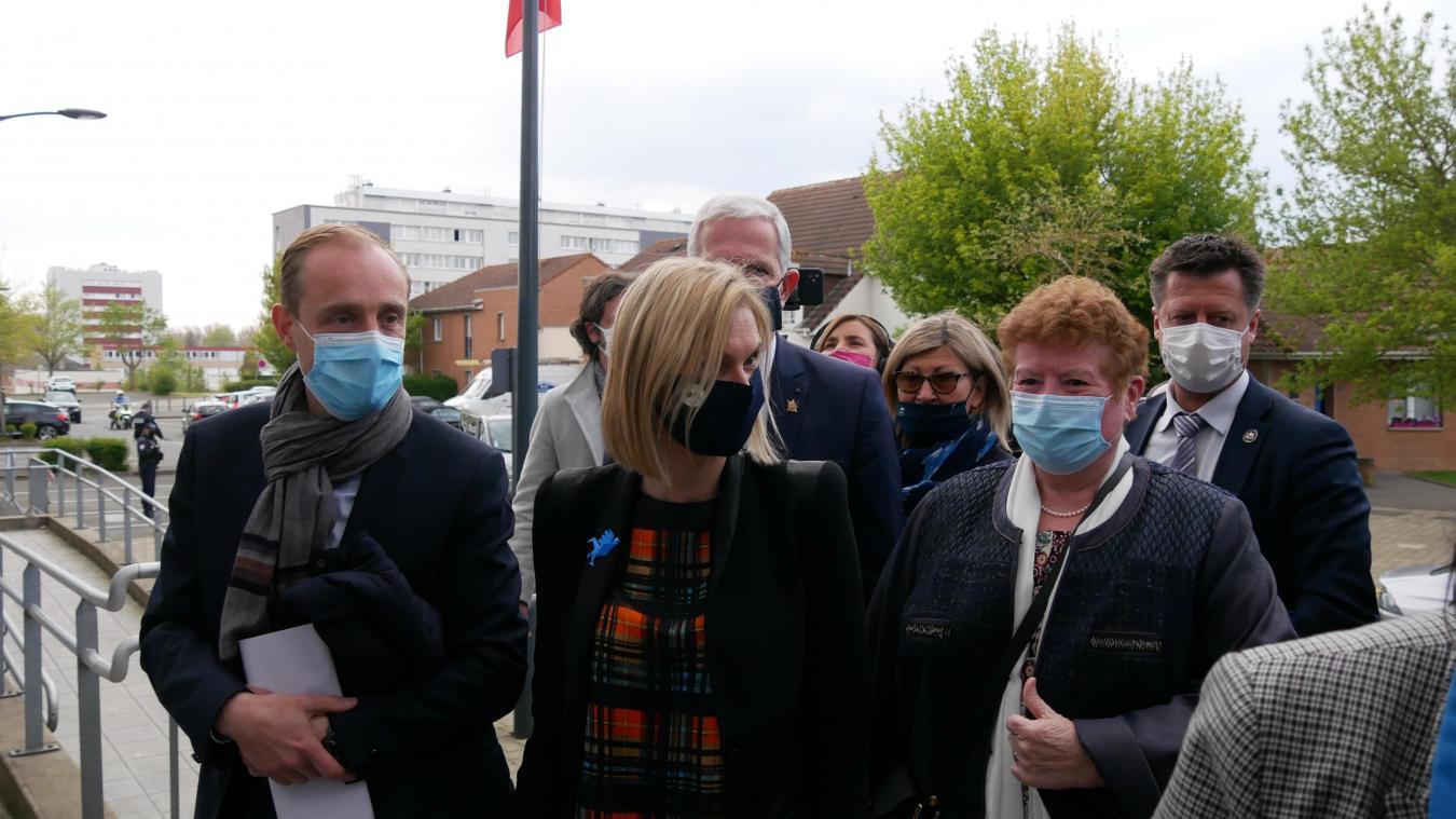 La ministre de l'industrie, Agnès Panier-Runacher, a échangé avec les élus locaux et les représentants syndicales sur l'après Bridgestone.