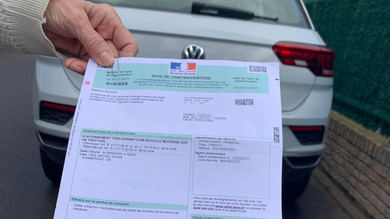 Malo : Rue Vilain, un couple a été verbalisé pour stationnement gênant sur trottoir alors qu'il n'y en a pas à l'endroit où son véhicule est garé.