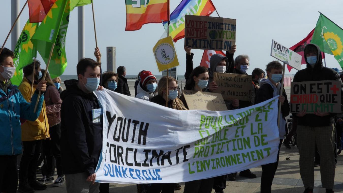 Youth for climate Dunkerque et le Collectif climat demandent une vraie loi climat.
