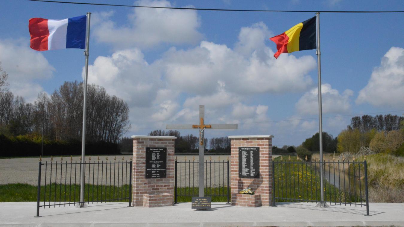 Le nouveau mémorial est situé sur la route des Anciens Combattants, à la sortie du village en direction de Bourbourg et à quelques centaines de mètres de l'Aa.