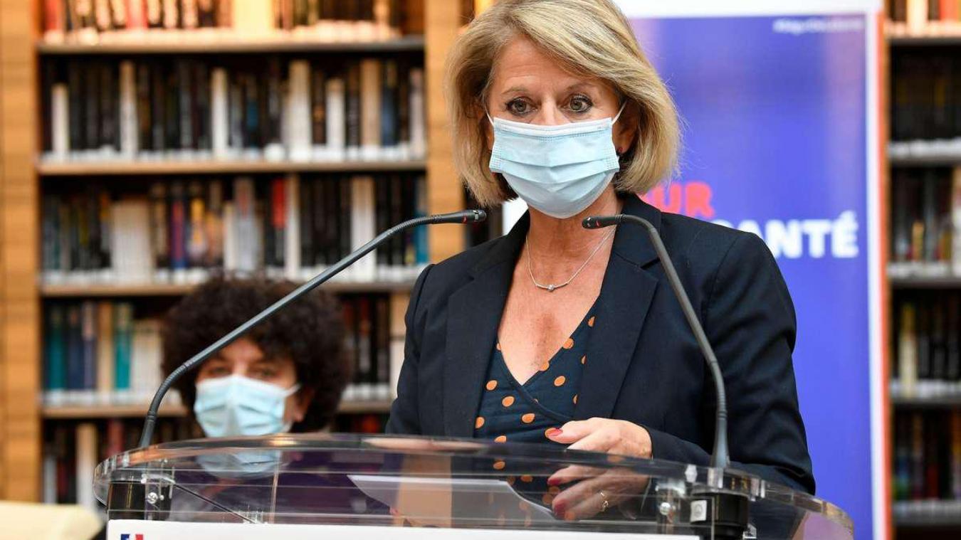 La ministre Brigitte Bourguignon refuse le canapé trois places du gouvernement