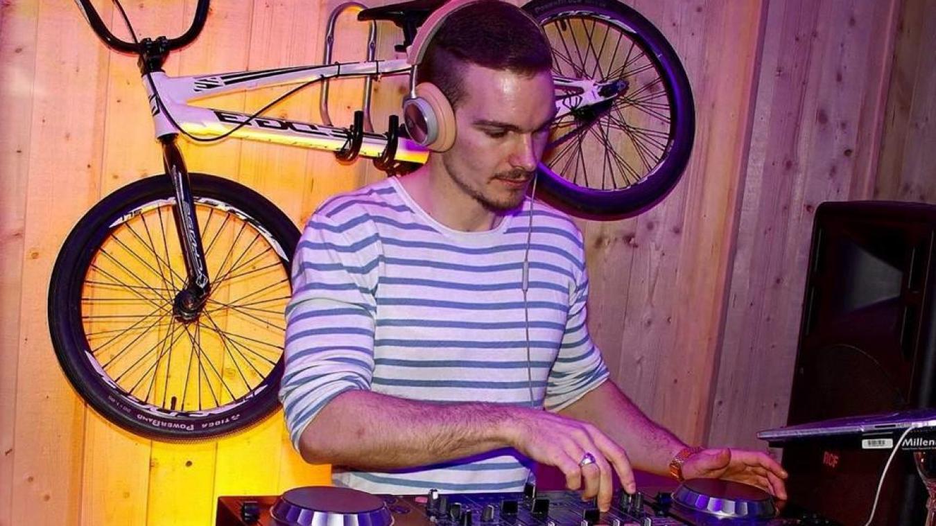 Lors du live, le DJ Charles Stif dévoilera sa première création musicale.