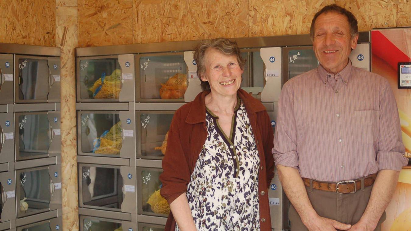 Gérard et Françoise Gotrand proposent leur production en libre-service.