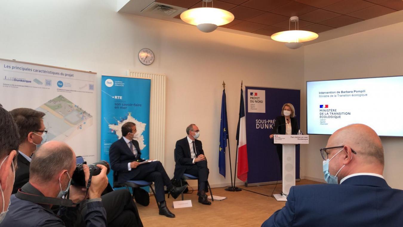 Barbara Pompili, ministre de la Transition écologique, s'exprime sur le parc éolien au large de Dunkerque.