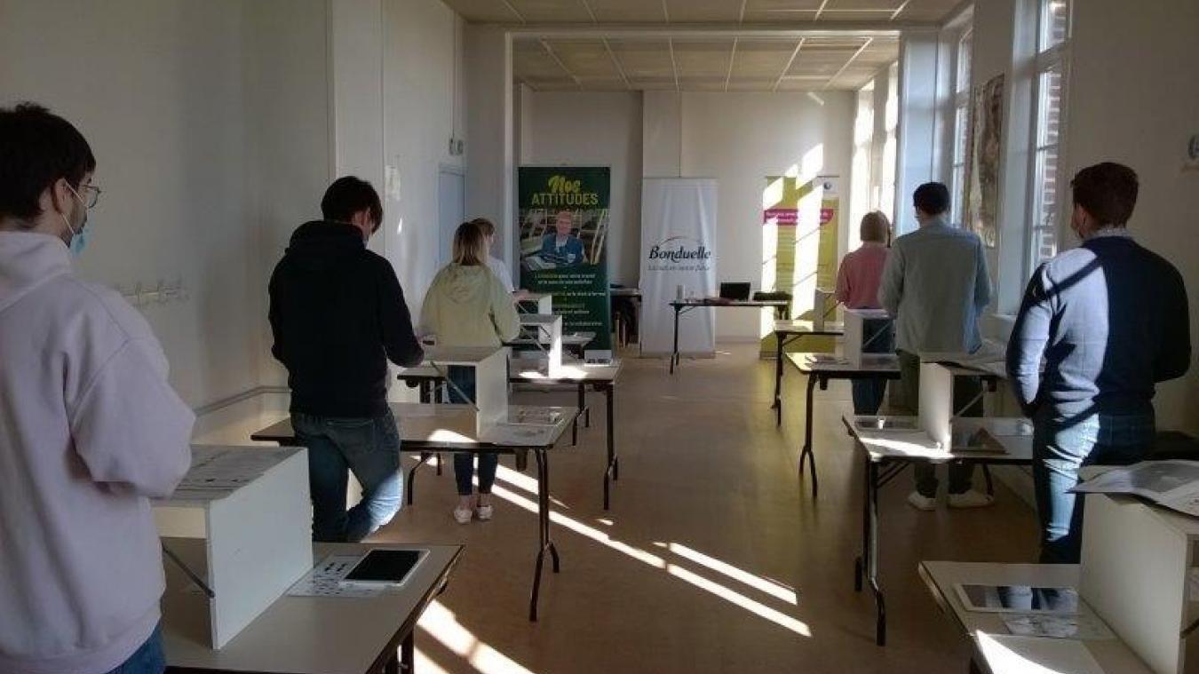 Les candidats qui postulent chez Bonduelle doivent passer des tests de simulation. Ces séances de tests sont organisées à la salle des fêtes de Renescure.
