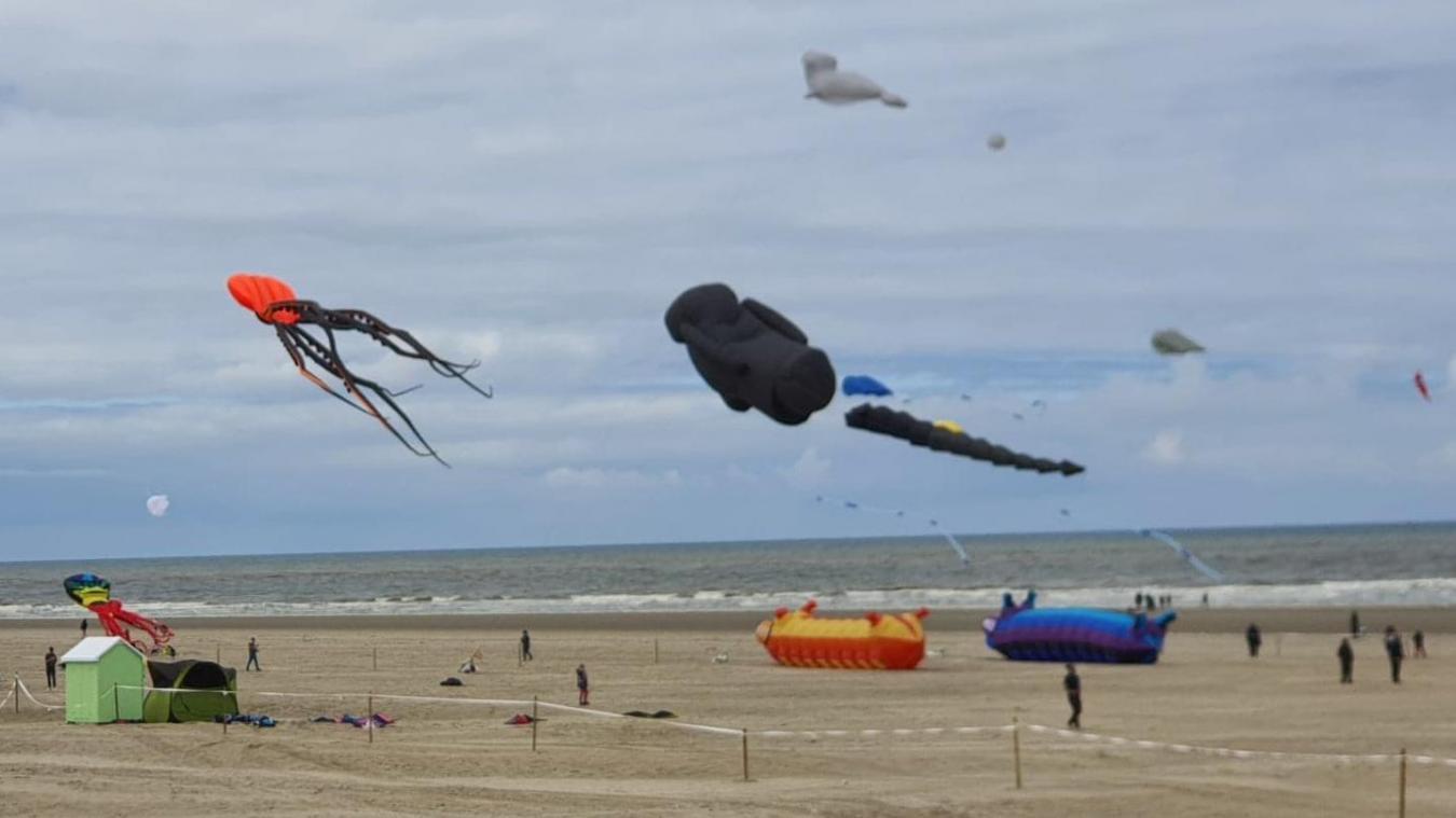 Une conviviale est improvisée sur la plage de Berck.