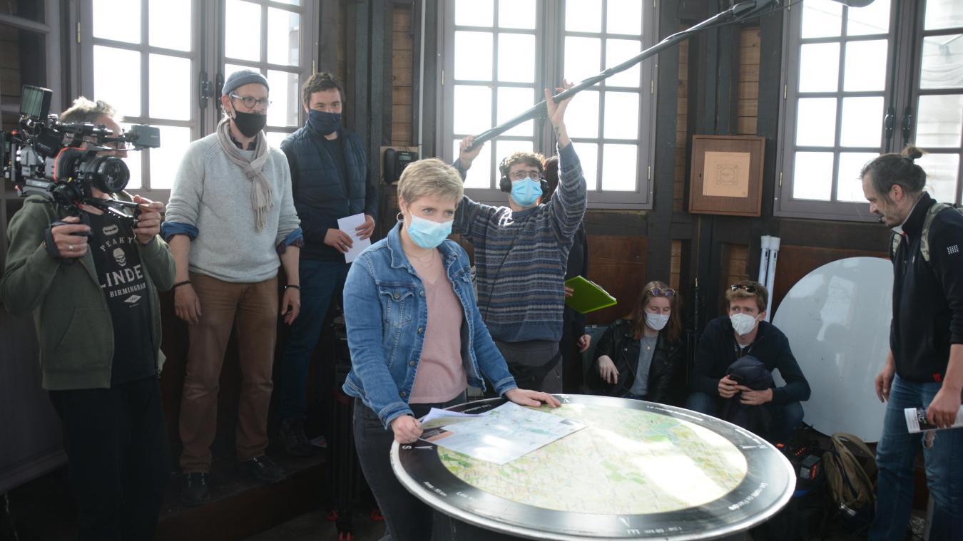 Des scènes ont été tournées à l'intérieur du Beffroi d'Aire-sur-la-Lys.