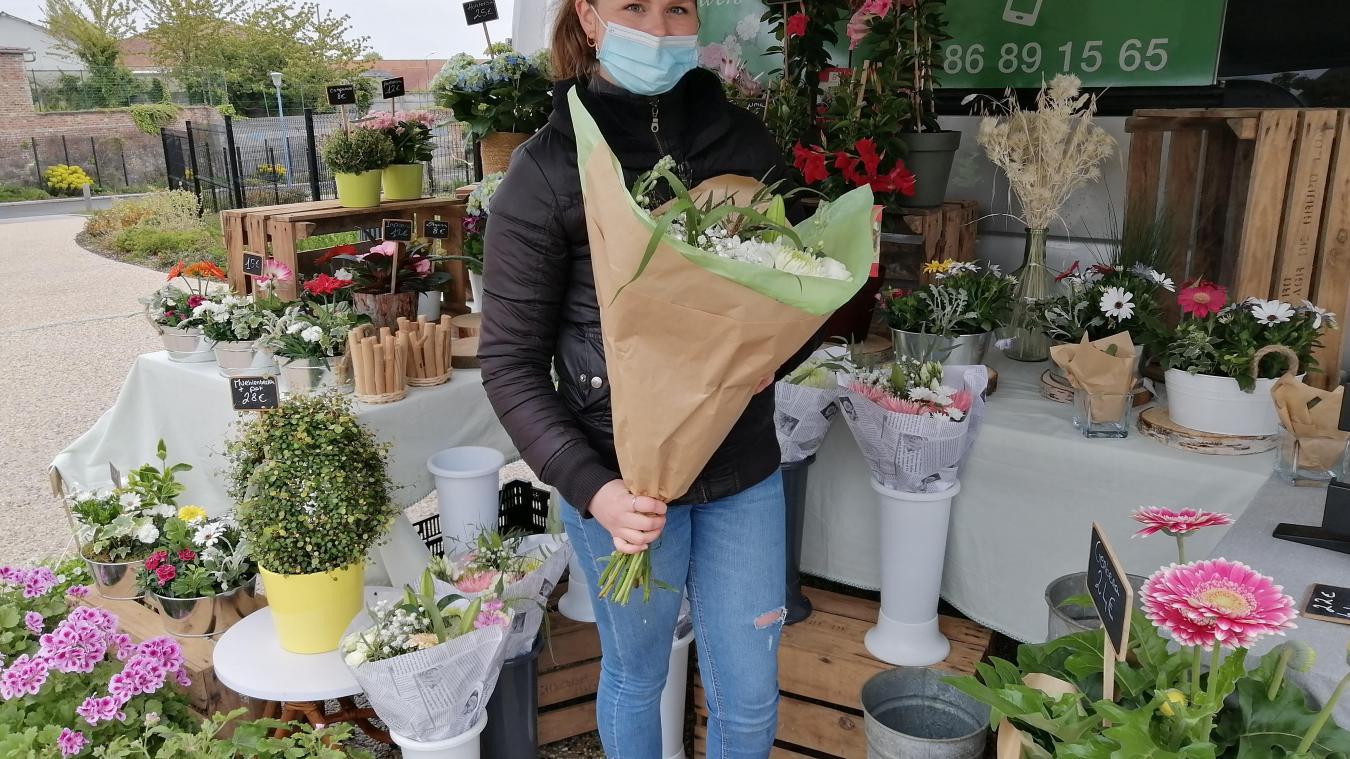 À seulement 24 ans, Chloé Schmitz a déjà sept ans d'expérience dans le métier de fleuriste.