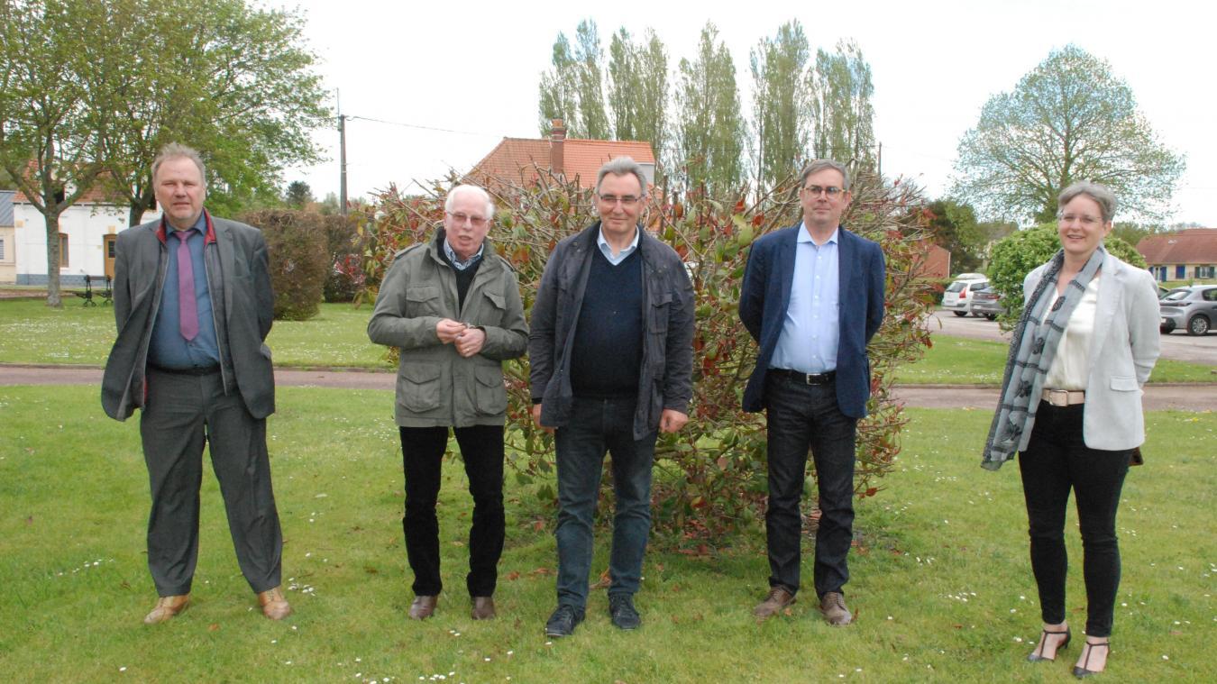 Ghislain Tétard entouré des présidents de commission.