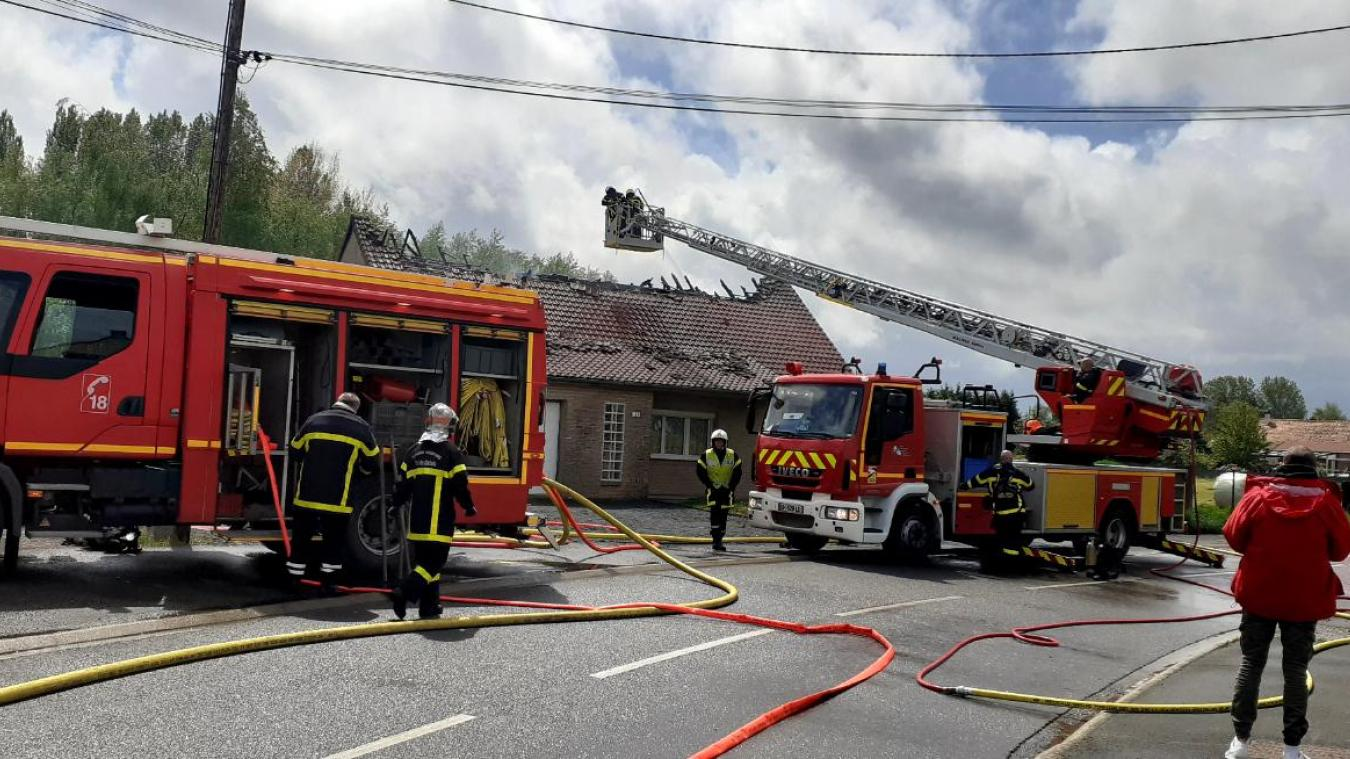 Le feu s'est propagé à la toiture.