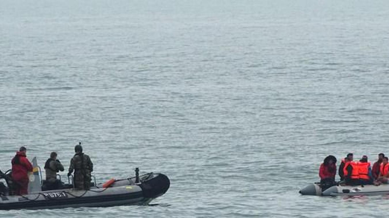 Si vous êtes victime ou témoin d'un événement de mer, composez par téléphone le 196 ou par VHF sur le canal 16.