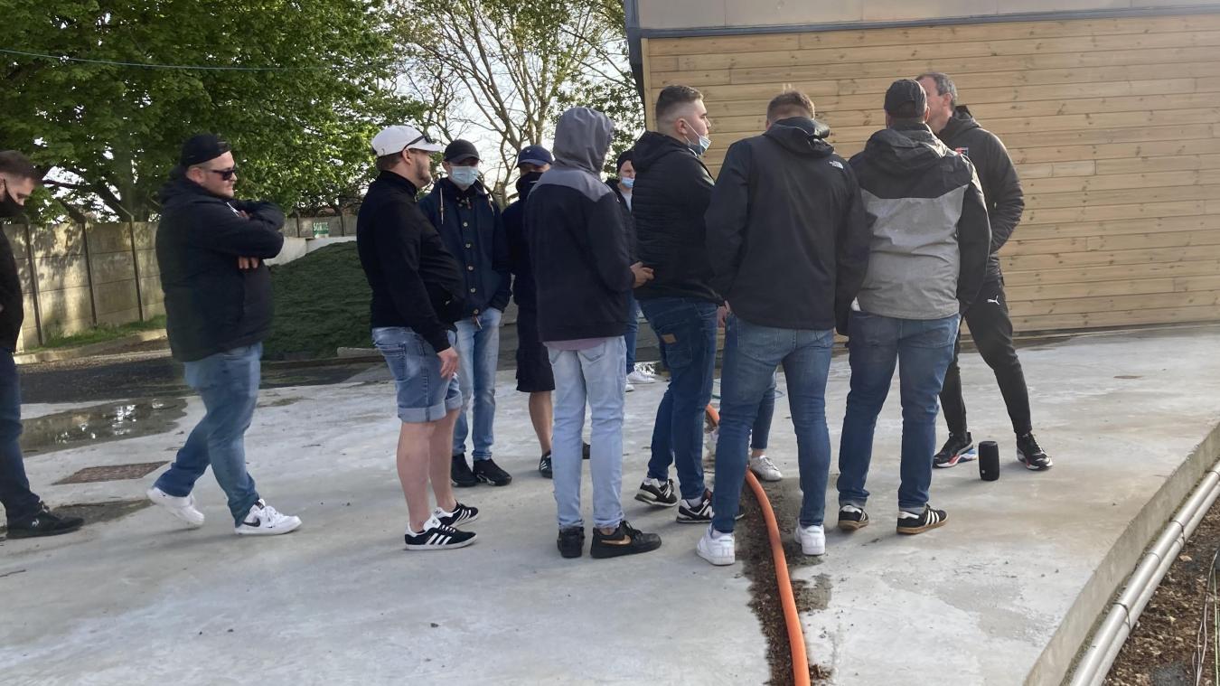 A la fin du match, Laurent Guyot est allé à la rencontre des supporters venus signifier leur mécontentement.