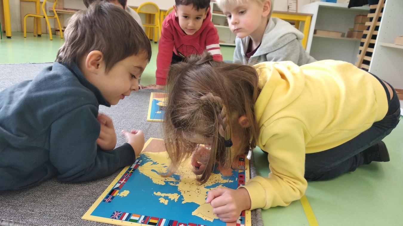 En septembre dernier, une classe d'enseignement alternatif dite Montessori a ouvert à l'école Jeanne-d'Arc de Calais.