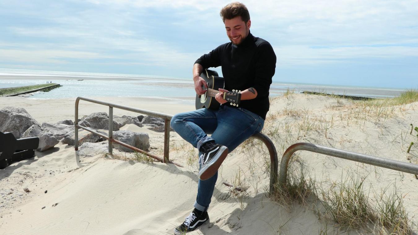 En attendant de remonter sur scène, on peut retrouver Maxime sur la plage, mais sur les réseaux sociaux aussi. Et qui sait, peut-être un jour dans The Voice ? Why not !