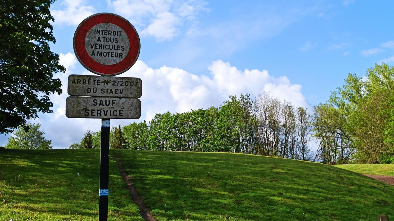 Malgré un arrêté, la plaine de jeux avait été investie par les gens du voyage.