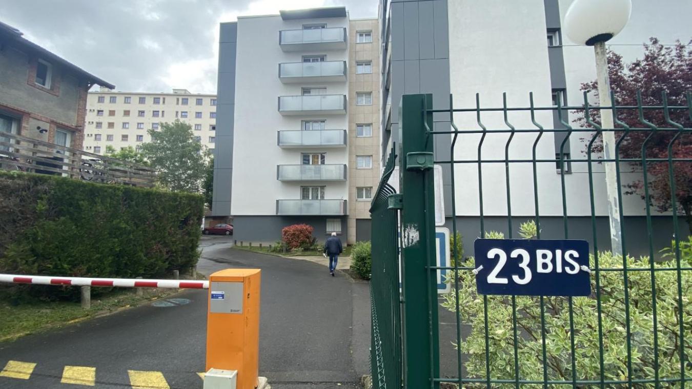 Le drame a été découvert mardi 18 mai, au troisième étage de cette résidence de la rue de Bezannes à Reims.