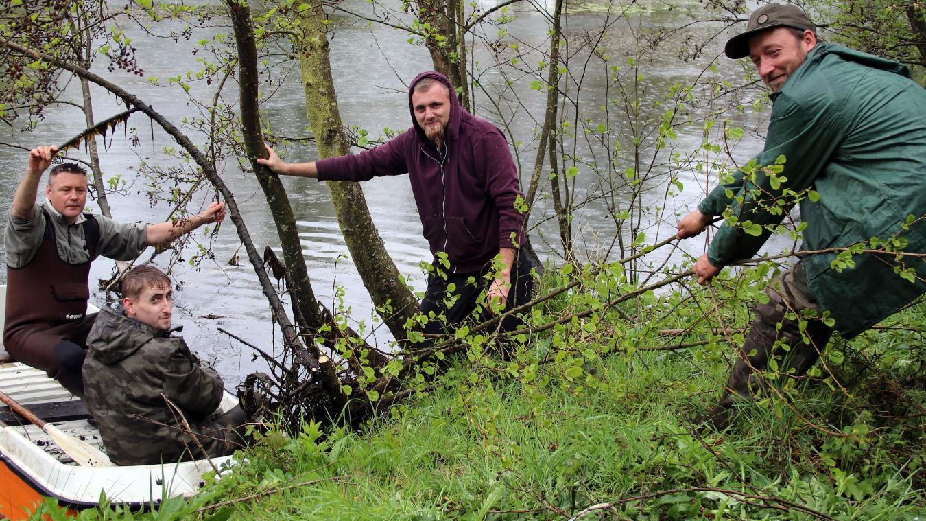 Ils lancent un appel aux bonnes âmes pour aider au curage de l'étang.