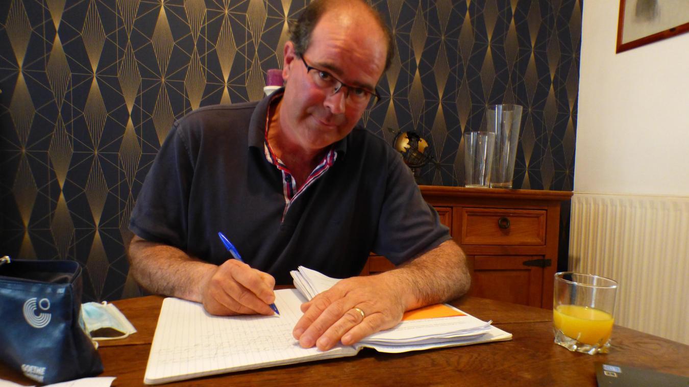 Johann Perrot écrit depuis la fin des années 1990.