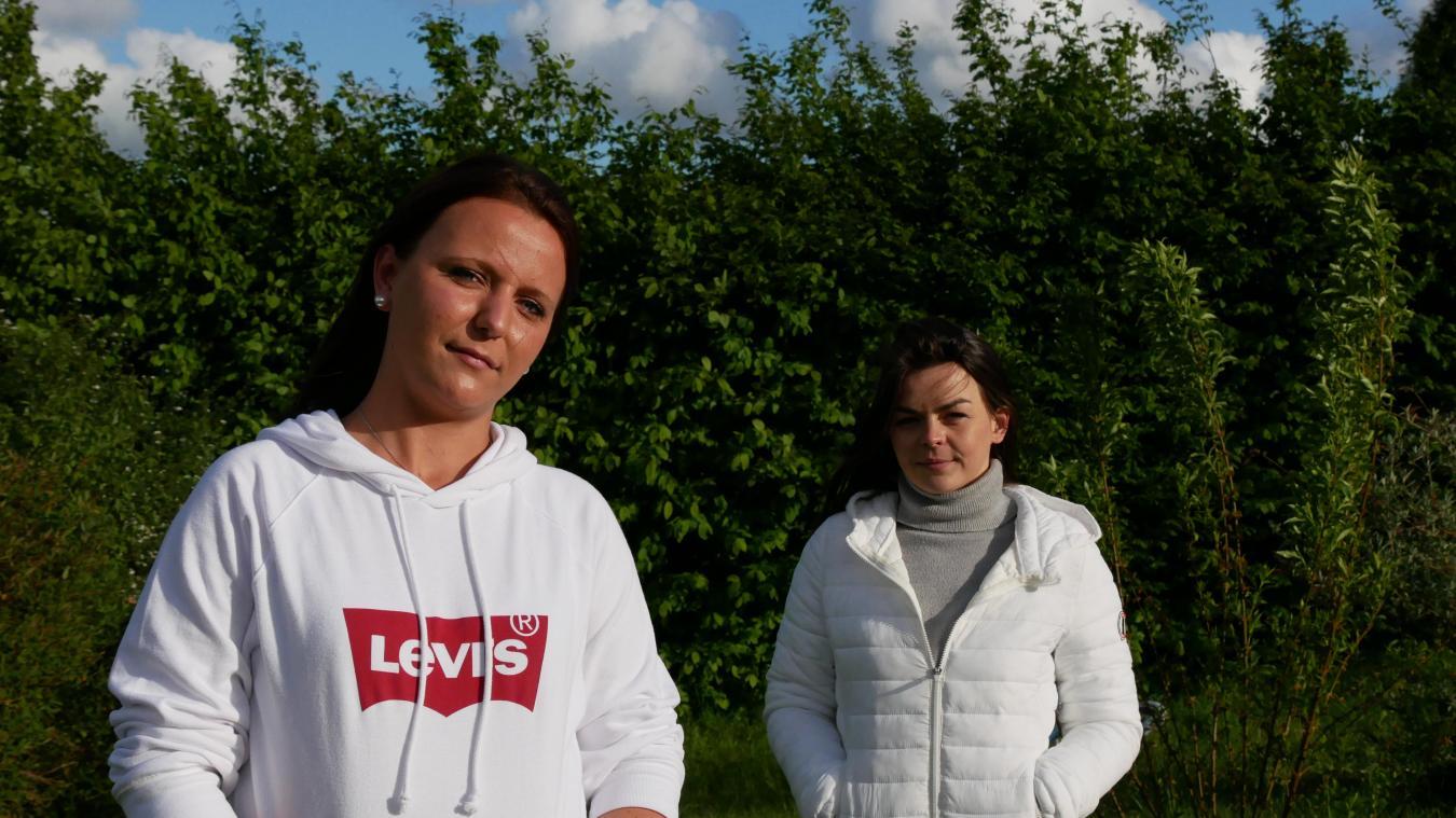 Kimberley Allart est soutenue par son amie, Pauline Marquis, qui l'accompagne dans son épreuve.
