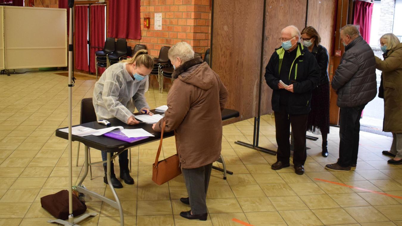 Le personnel d'accueil et administratif des centres de vaccination de Bergues et de Wormhout est mis à disposition par la CCHF.