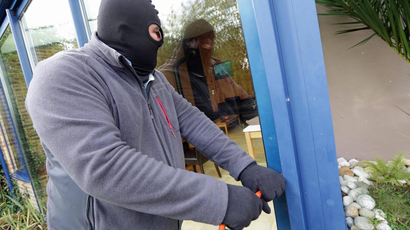 Le voleur a été trahi par son ADN, il s'est blessé lors de ses délits.