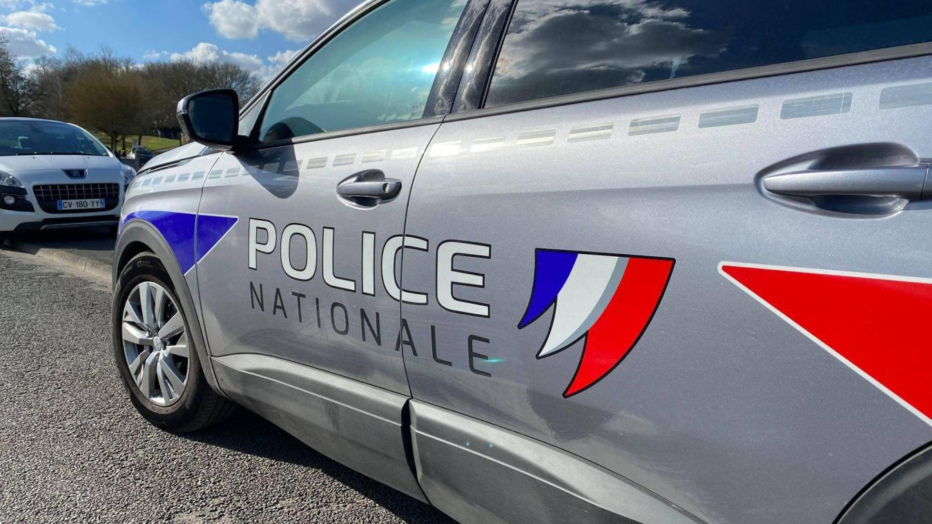 En se rendant au domicile de l'homme de 55 ans, la police a remarqué les dégradations sur son bracelet électronique.