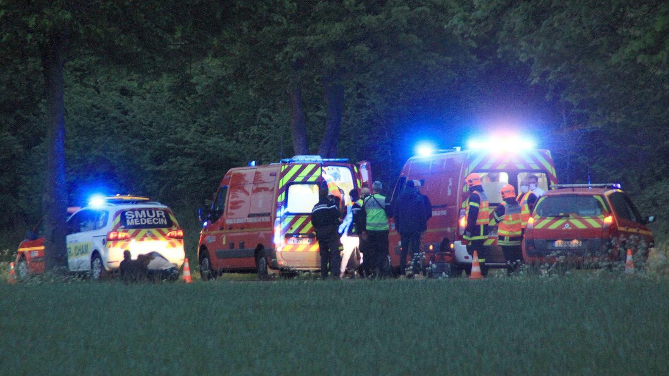 L'accident, un véhicule s'est retourné sur le toit, s'est produit sur la D113, à la sortie d'Étaples en direction de Fromessent.