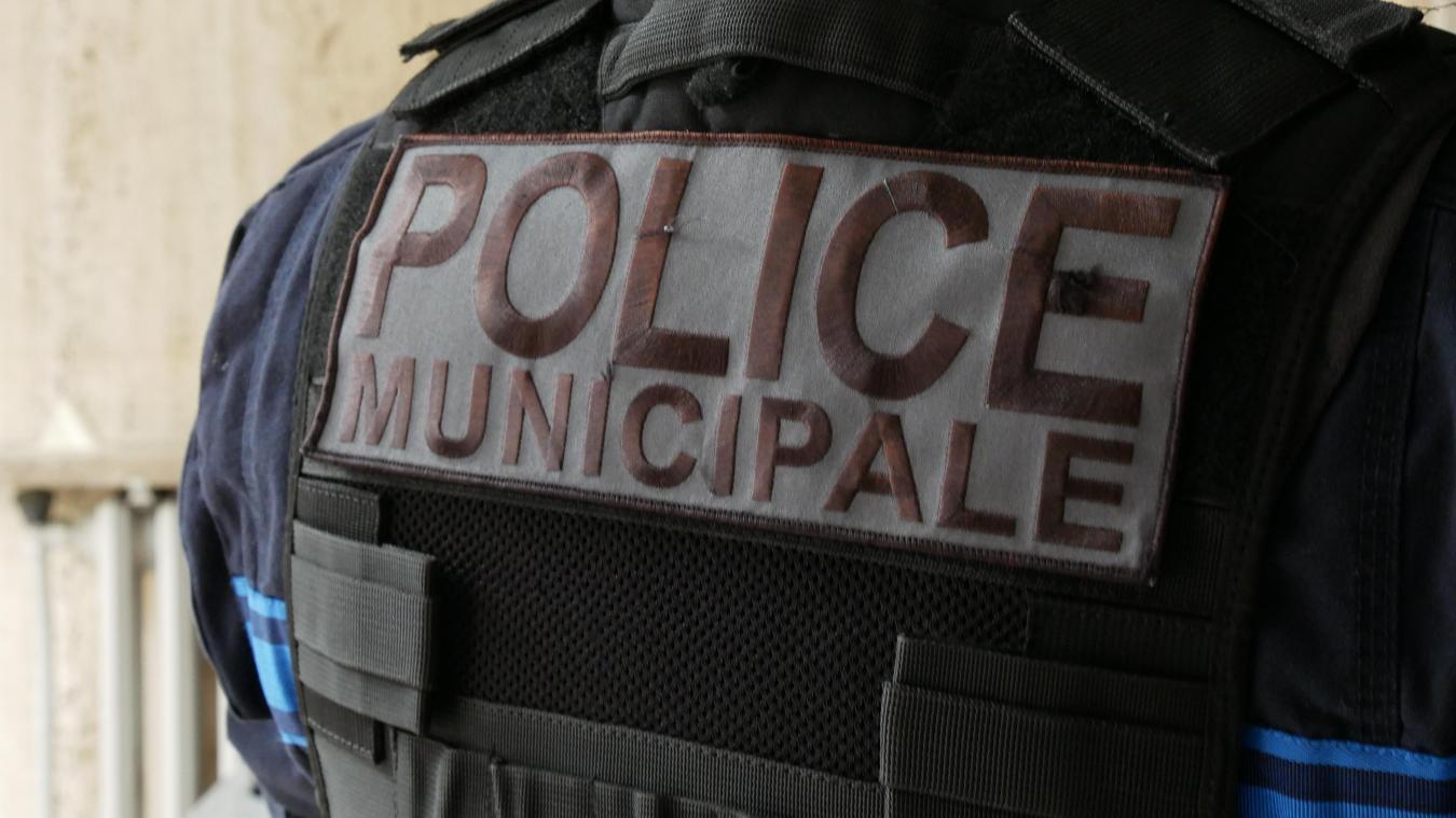 L'homme, arrêté par la police municipale, a été reconnu coupable de viol lorsqu'il était mineur.